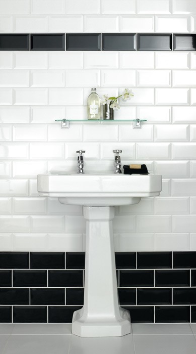 Metro Bevelled Edge 200x100 Black Tile 1484 Metro